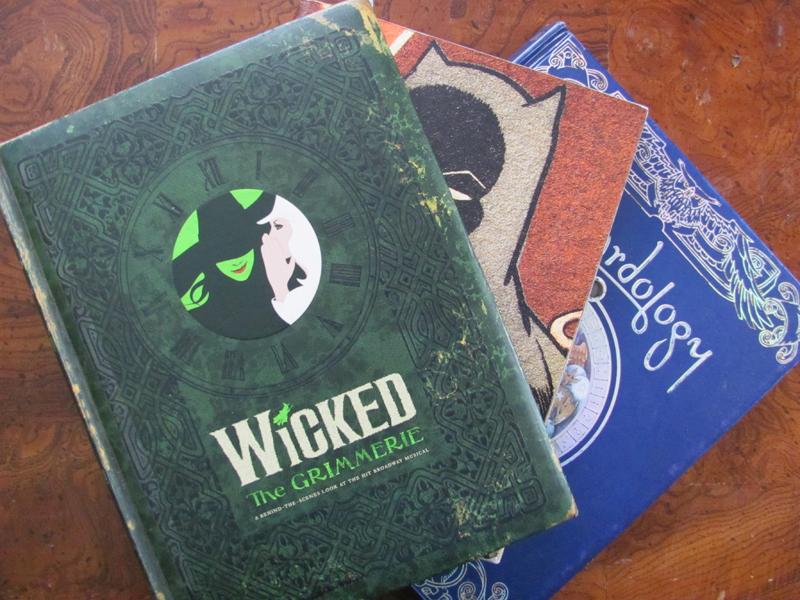Wicked-Batman-Wizardology-book_w800