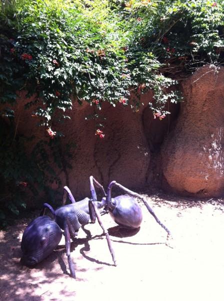 Giant-Ant_w600